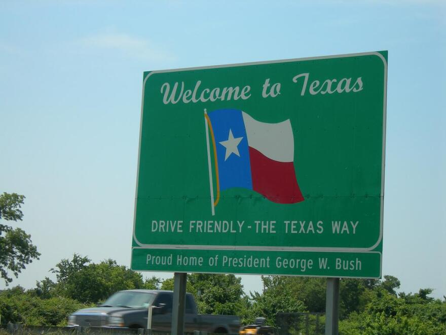welcome_to_texas_sign.jpg