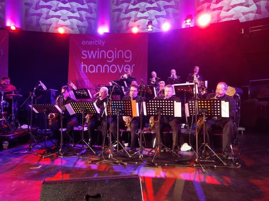 052918_lh_kansas_city_jazz_orchestra_at_swinging_hannover_by_andygutte.jpg