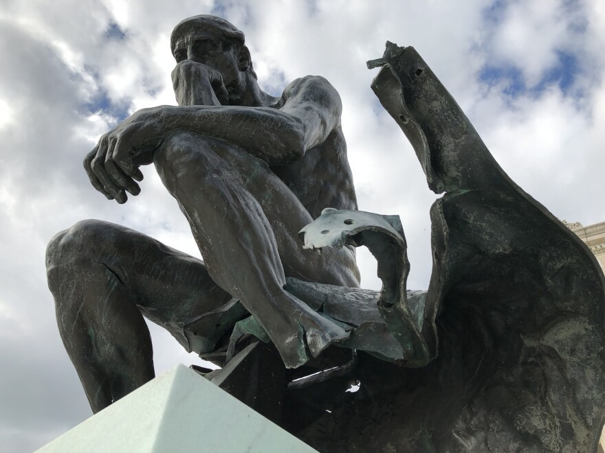 a photo of an outdoor sculpture at Cleveland Museum of Art
