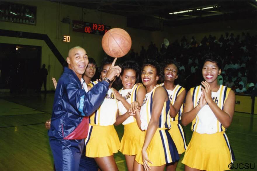 Curly_Neal_with_Johnson_C_Smith_University_cheerleaders.jpg