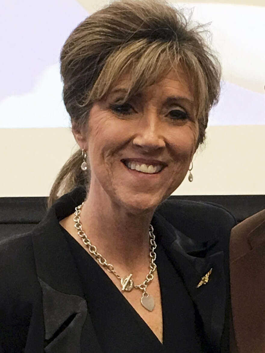 Tammie Jo Shults kept a cool head as she navigated her stricken Southwest airliner to a safe emergency landing on Tuesday.