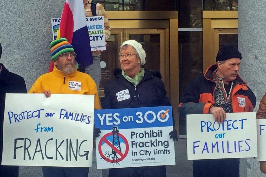 bb-capcov_protestors_colo-supreme-court-fracking_IMG_1467_12092015.jpg
