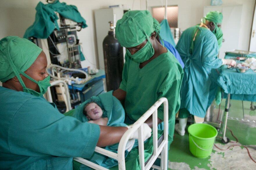 Rwanda - Health Care - Birth of baby