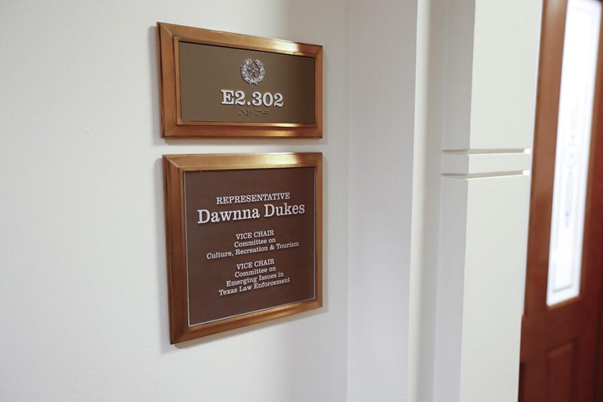 dawnna_dukes_lege_placard.jpg