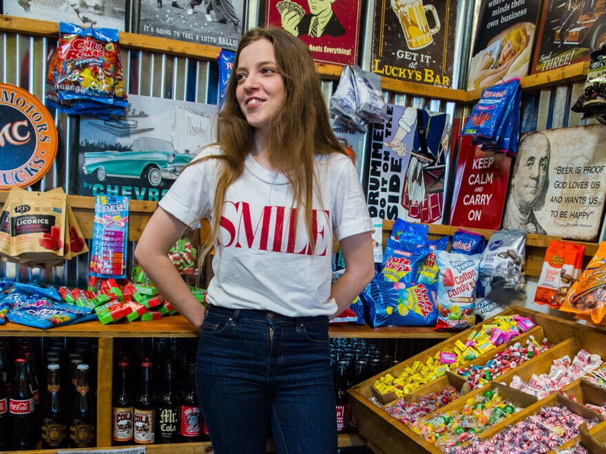 Jade swings by local soda pop and candy shop Rocket Fizz for a sugary pre-concert pick-me-up.