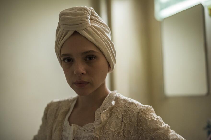 Shira Haas plays Esther Shapiro in <em>Unorthodox, </em>a four-part Netflix adaptation of Deborah Feldman's 2012 memoir.