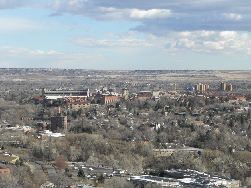 University_of_Colorado_at_Boulder_from_Red_Rock_trail.JPG