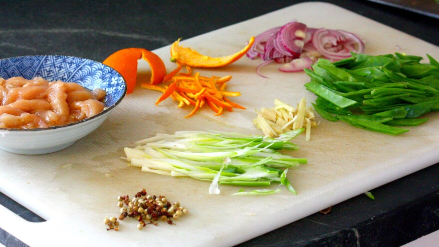 Chicken Snow-Pea Stir-Fry With Tangerine Peel