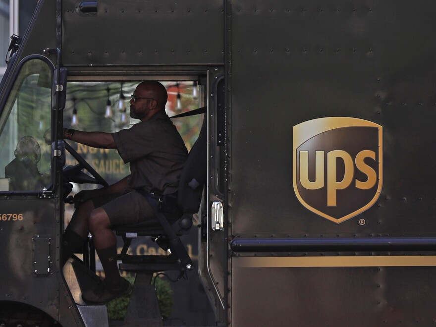 UPS delivery drivers are now allowed to grow their beards as the company loosens up on its appearance rules.