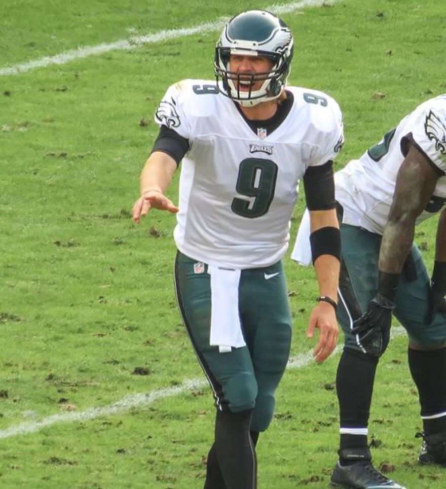548px-Nick_Foles_calling_play_in_2012.jpg