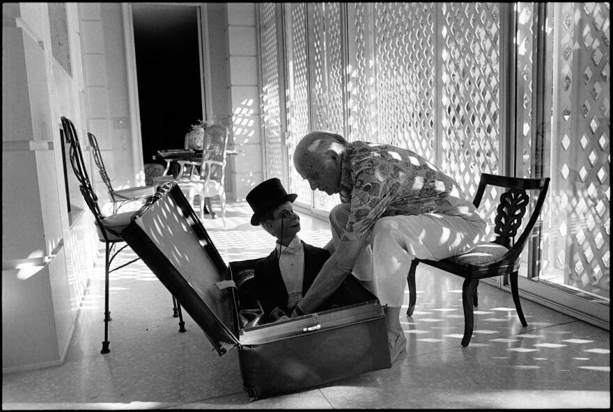 Edgar Bergen with Charlie McCarthy. Los Angeles, 1978.