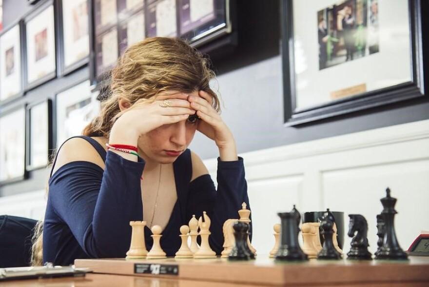 International Master Dorsa Derakhshani plays in the 2018 U.S. Women's Championship in St. Louis.