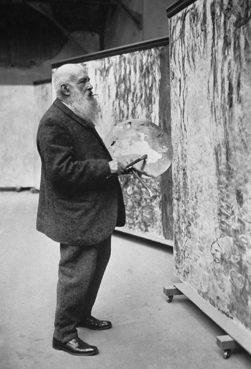 2._monet_in_his_studio__1920.jpg