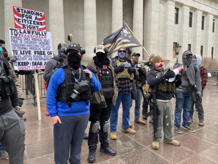 Ohio Boogaloo protestors at Statehouse