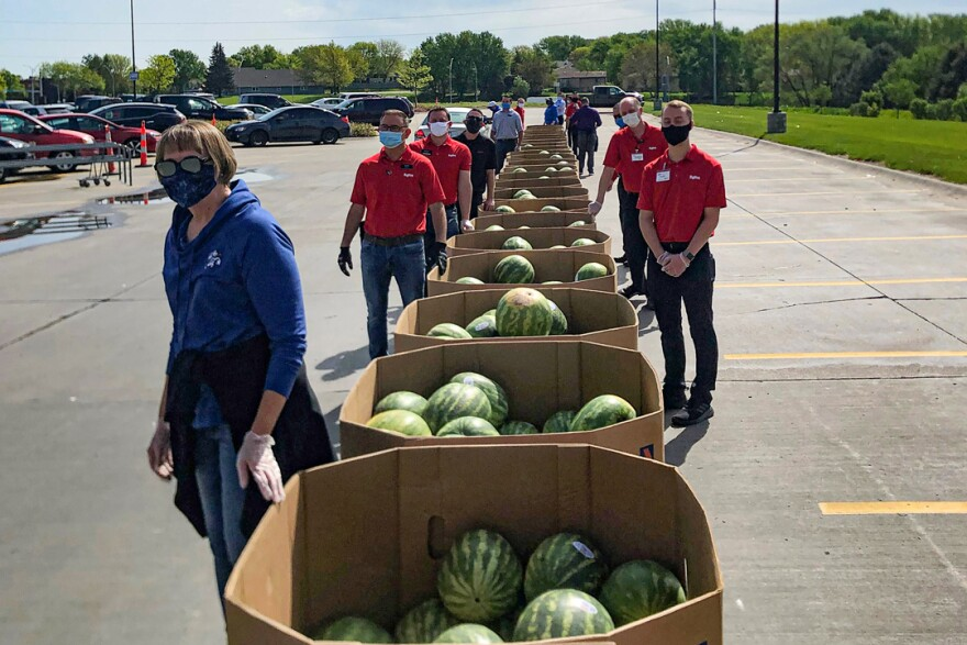 contactless-watermelon-courtesy-Hy-Vee-3x2-720.jpg