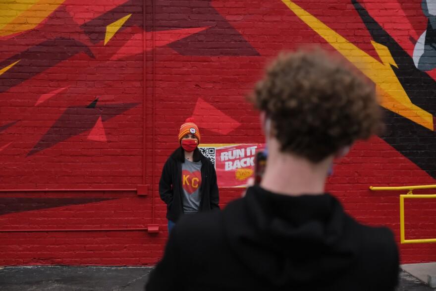 01242021-chiefs-mural-crossroads-chris-haxel