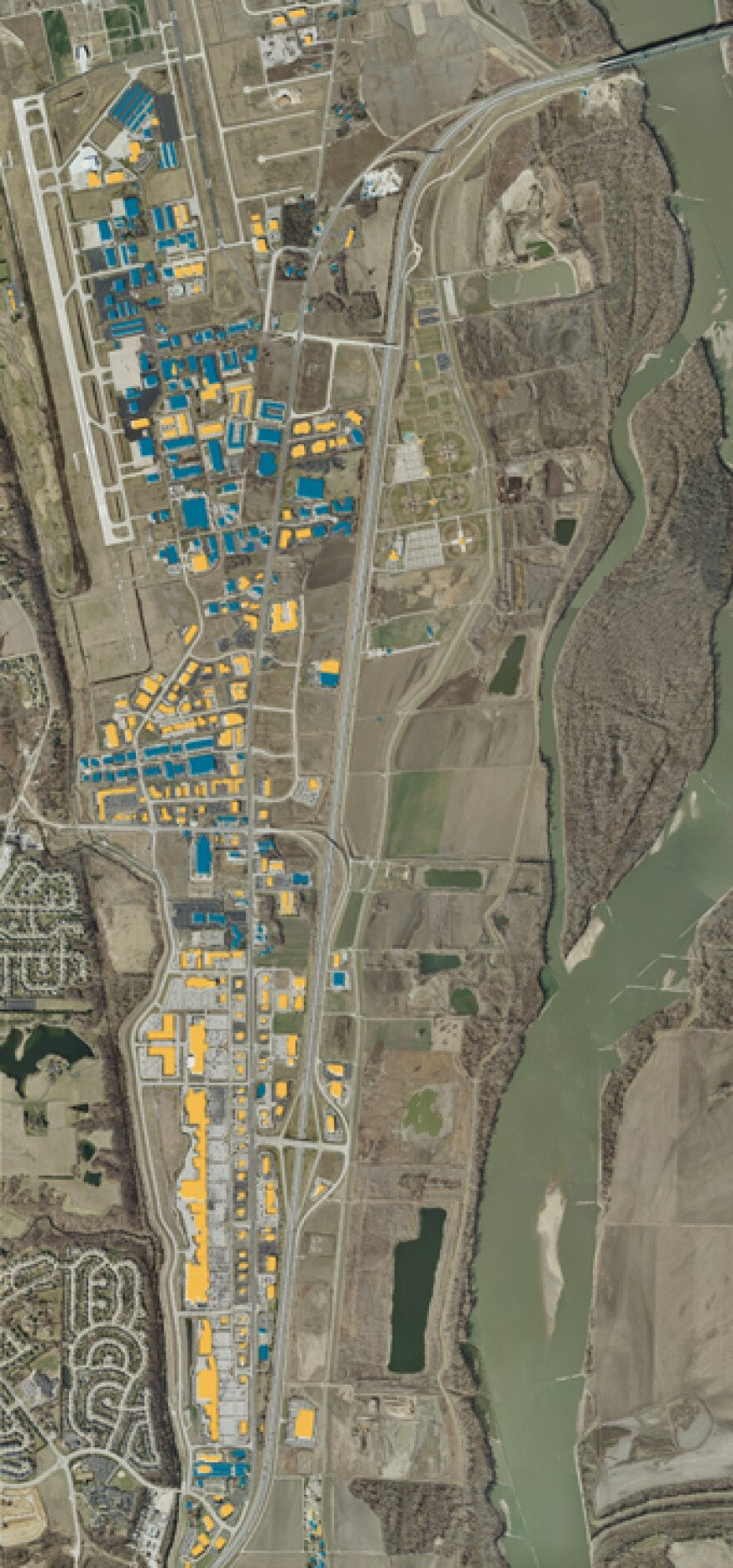 Development in Chesterfield Valley since the flood: Blue structures existed before the flood; yellow structures were built after the flood.