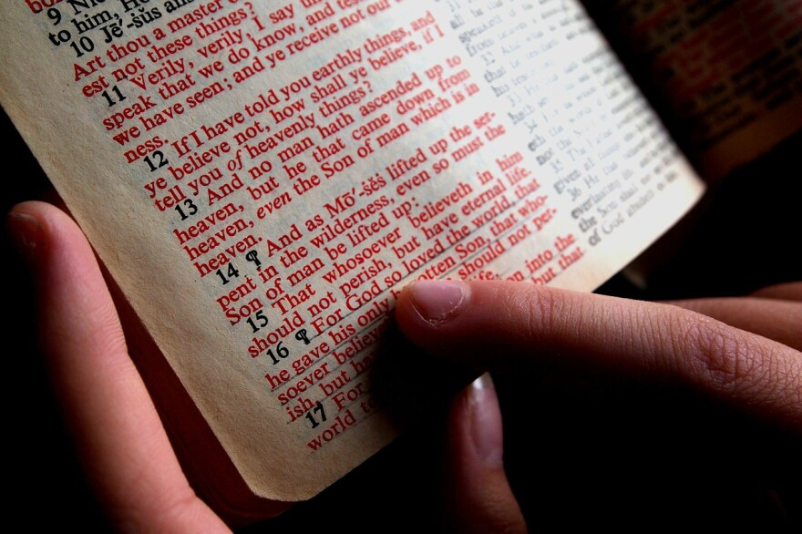 bible-1089968_1280.jpg