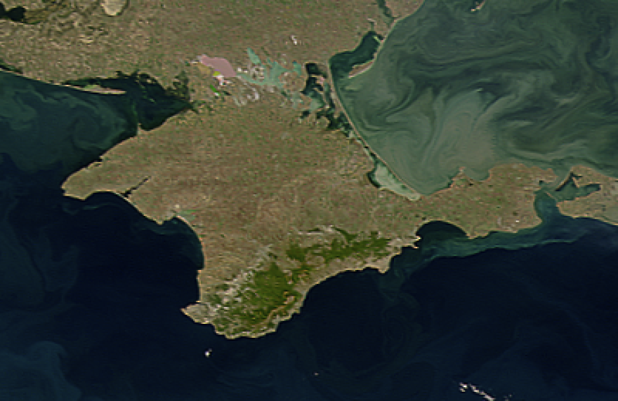 Satellite_image_of_Crimea.png