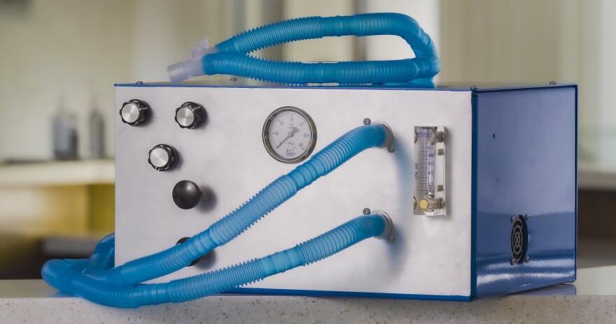 Photo of a ventilator machine