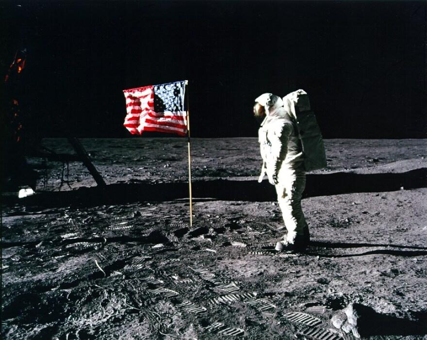 NASA_Aldrin_salutes_flag_5875.jpg