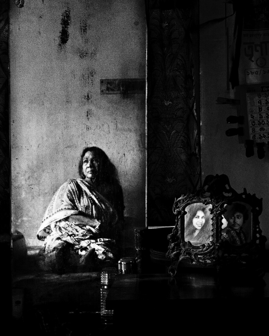 Sima Bose was a famous Jatra artist in the 1960s and 1970s. She has suffered from arthritis for the past 10 years and has trouble leaving her bed in Kolkata, India.