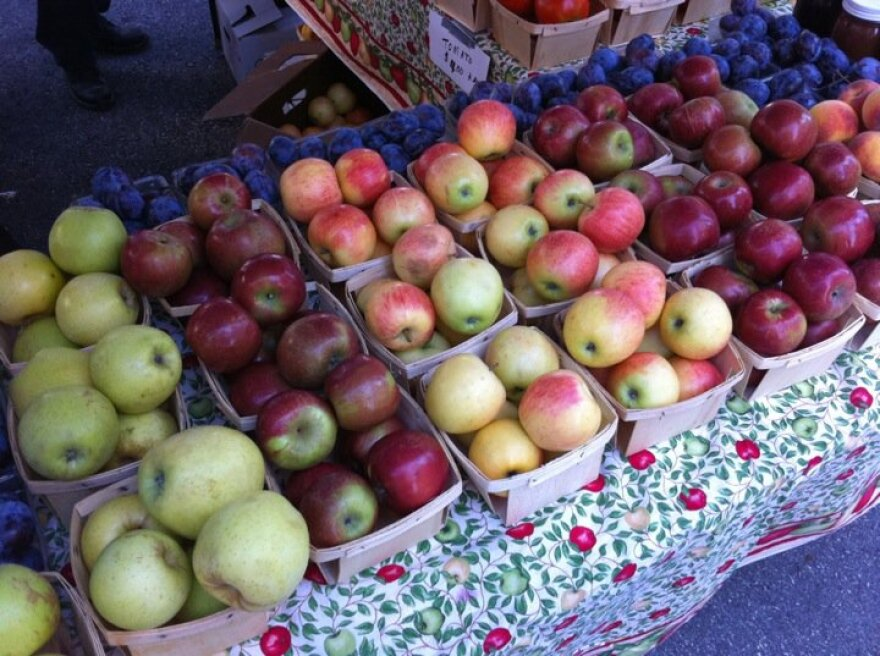 Apples at the Tower Grove Farmers' Market