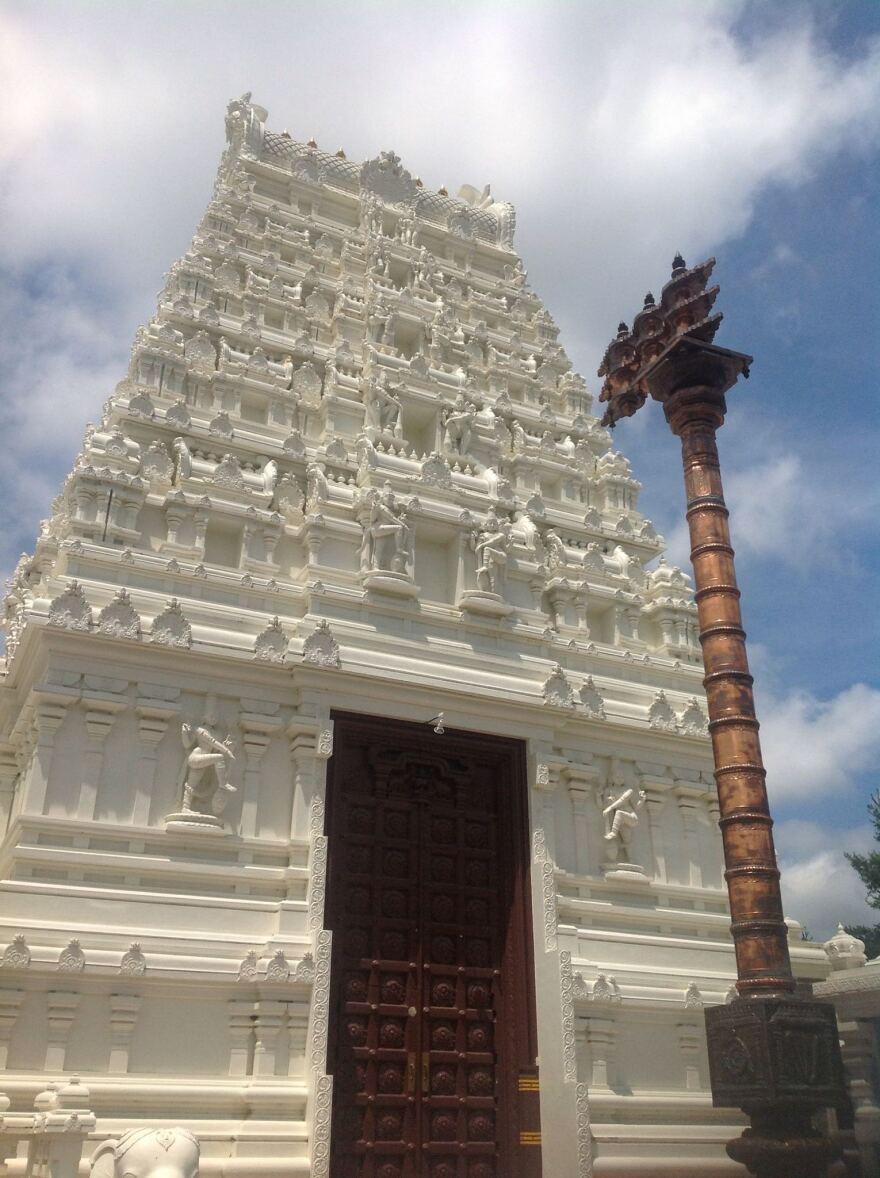 The Hindu Temple of St. Louis. According to census figures, about 80% of Indians are Hindu while about 15% are Muslim.
