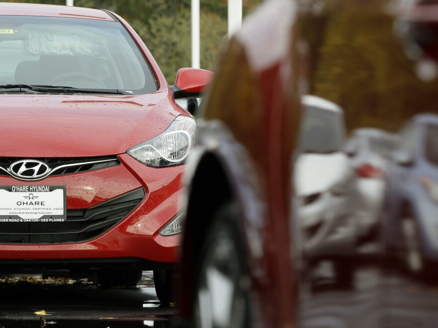 The Environmental Protection Agency found Hyundai and its sister company, Kia, overstated the fuel economy ratings on about 900,000 cars.