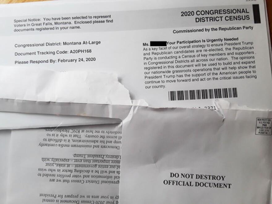Imitation 2020 census paperwork sent through the mail.