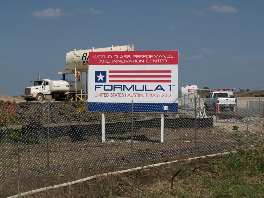 Formula_One_Sign.JPG